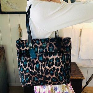 ♥️ Coach ♥️ Turquoise Leopard Shoulder Bag